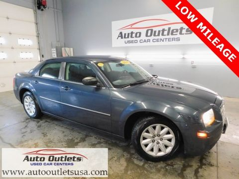 Pre-Owned 2008 Chrysler 300 LX RWD 4D Sedan