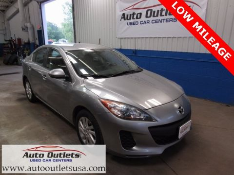 Pre-Owned 2012 Mazda3 i Touring FWD 4D Sedan